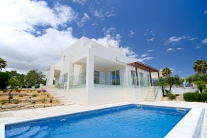 Villa for sale in Almancil, Quarteira, Vilamoura, Quinta do Lago, Vale do Lobo, Faro - EMA13138